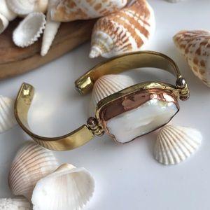 Mother of Pearl Bracelet Goldtone & Brasstone